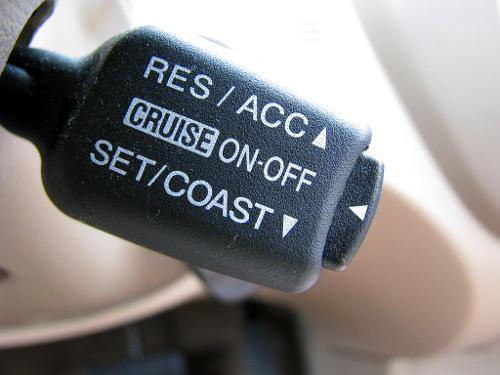 Although used by few drivers, cruise control is your vehicle's accessories to reduce distracted driving.